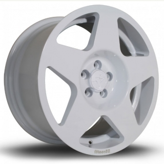 FIFTEEN52 TARMAC 9,5x19 5x120 ET20 RALLY WHITE